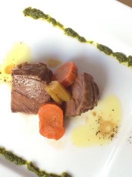 カデルヴェントの料理:牛頰肉のボッリート サルサ ヴェルデ②